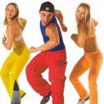 Zumba Fitness veselye trenirovki dlja pohudenija